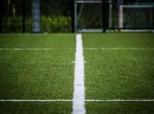 Terrain synthétique football prétexte (photo LD) ligne tracer tracée rond central